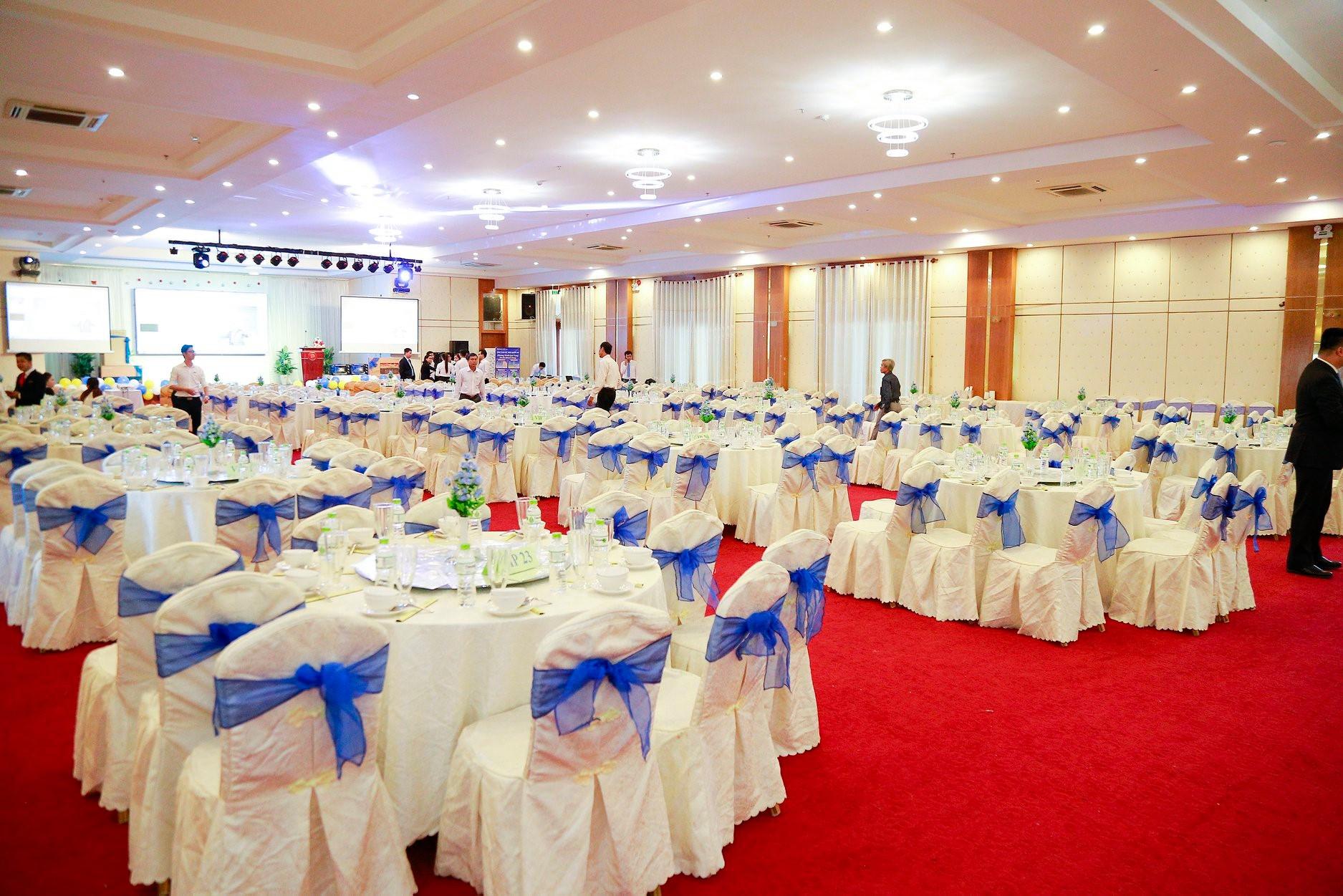 Trung Tâm Hội Nghị Tiệc Cưới Đông Hà Fortuneland bao nhiêu tiền