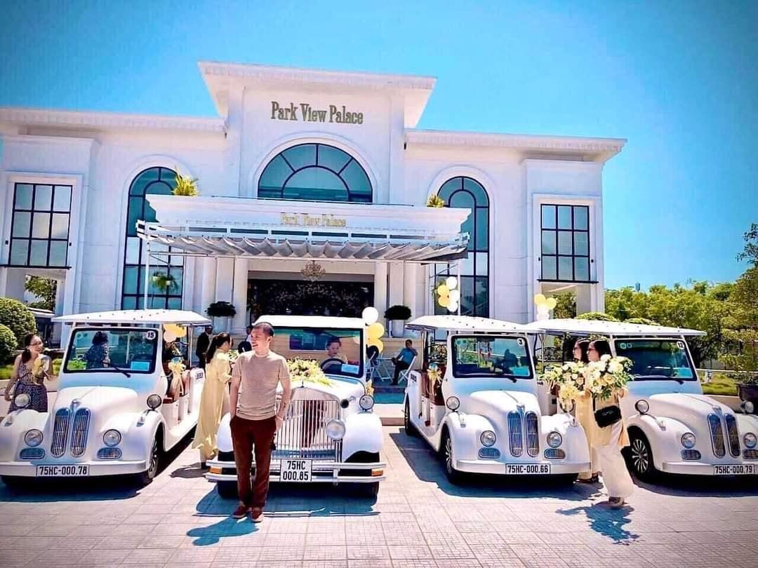 Tổ chức tiệc cưới tại nhà hàngi Park View Palace